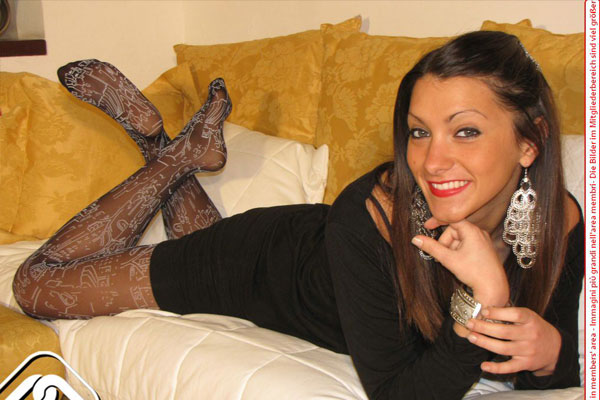 Black Pantyhose picture 2